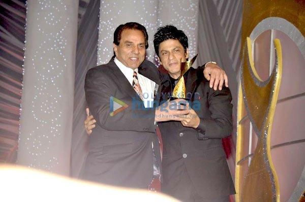 imágenes de algunos de los ganadores e invitados Awards 2011 Still3