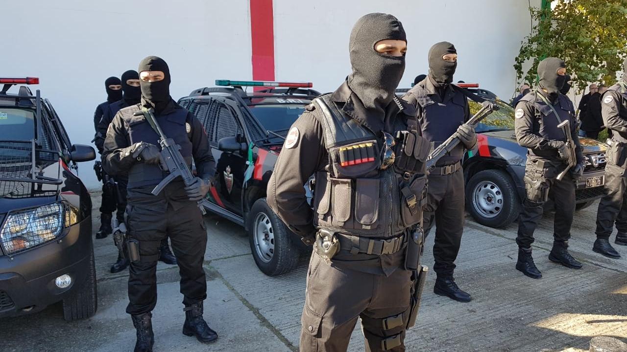 Moroccan Special Forces/Forces spéciales marocaines  :Videos et Photos : BCIJ, Gendarmerie Royale ,  - Page 15 Tanger_3