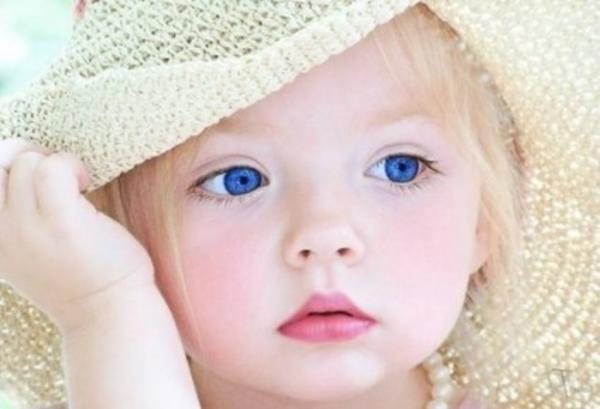 """Ojos verdes son traidores, azules son mentireiros...  marrones y acastañados son firmes y verdadeiros..."" B7d19444b18df62c2d0af511e8f10ffe"