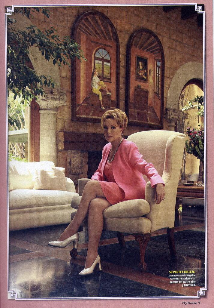 Жаклин Андере / Jacqueline Andere 1617db3803c621e37697060919c6