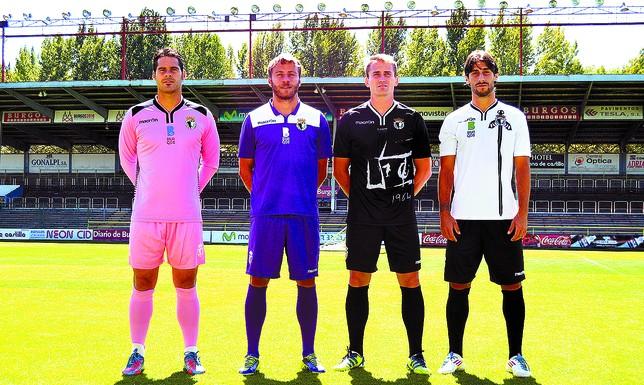 Los porteros más bajos de la historia del futbol -- Shortest goalkeepers in football 6AC327E2-ECCC-45DC-D802A983611CBC07