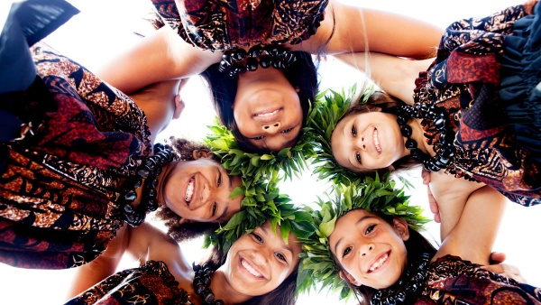 Гавайские праздники. Гавайская вечеринка. Гавайская магия. Гаваи ( кухня, танцы, мода ). 5134eed333531