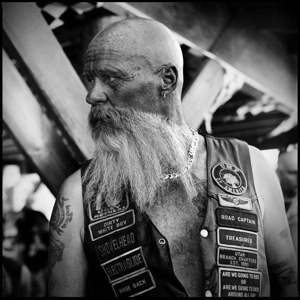 Vieilles photos (pour ceux qui aiment les anciennes photos de bikers ou autre......) 2845926662_1