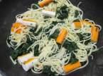 spaghettis aux épinards et surimi Spaghetti_aux_epinards_et_surimi_007