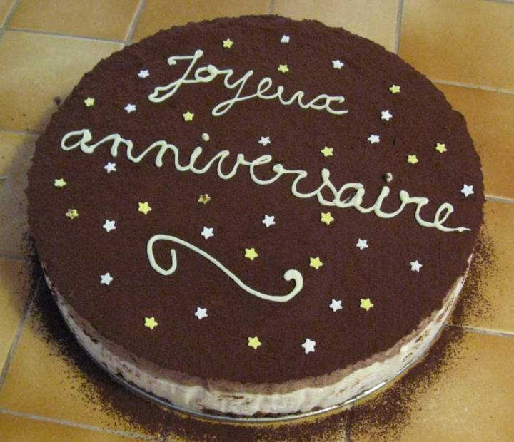 c'est l'anniversaire à 3euros50 Gateau_d_anniversaire_au_chocolat_et_a_la_poire_001