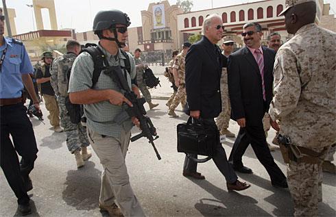 الشركات العسكرية والأمنية الخاصة: أذرع طويلة لمهمات مختلفة  Contractorx-large