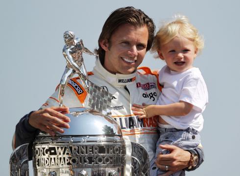 Fallece Dan Wheldom. Último ganador 500 millas de Indianápolis. Wheldon-digs-at-NASCAR-accepts-Indy-challenge-C3CM1Q1-x-large