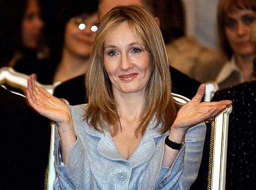 J.K. Rowling: the hands & handprints of the UK author! (Harry Potter) Joanne_rowling_afp_550