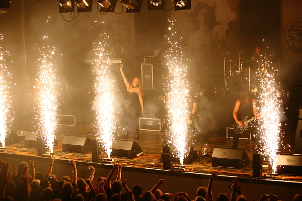 Live pics!!! - Page 4 Epica19