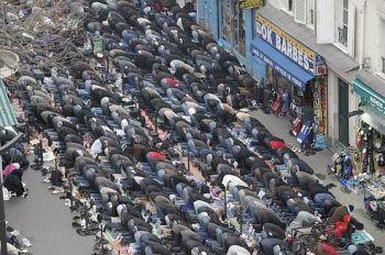 """Les prières de rue """" interdites """"  0b0fc898e68d6f9b8f50c28c913401f4350"""