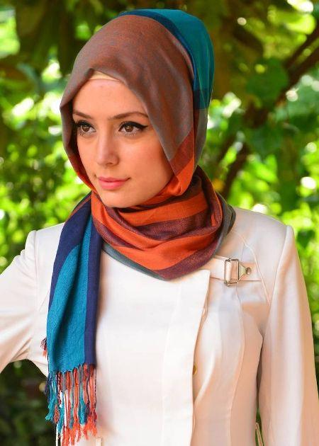 أحدث وأجمل لفات حجاب بسيطة وأنيقة 9a881eee00f0d0e9f45e4f50bb020970