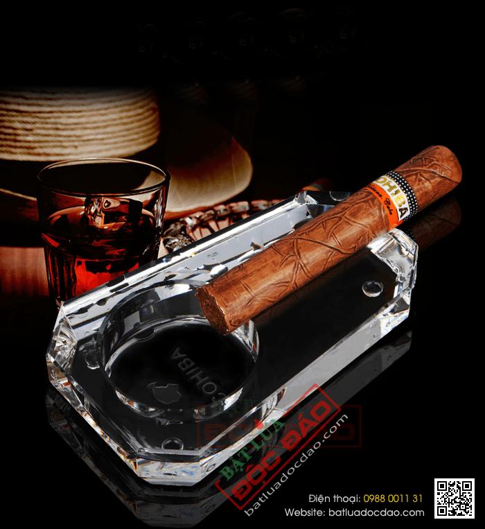 Chuyên bán gạt tàn xì gà Cohiba chính hãng (gạt tàn pha lê) 1464057639-gat-tan-xi-ga-cohiba-gat-tan-cigar-cohiba-phu-kien-xi-ga-cigar-cohiba-1