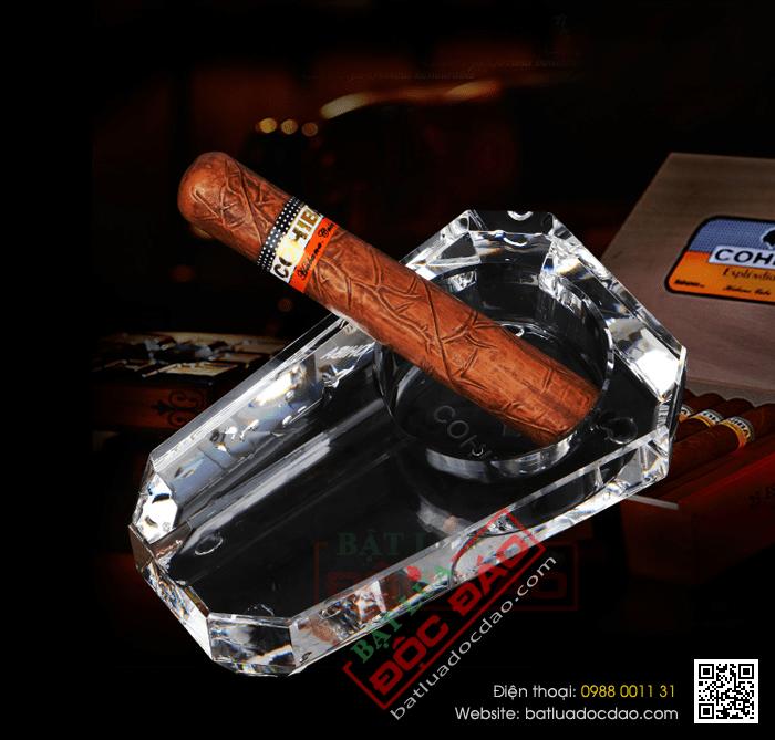 Mua gạt tàn xì gà Cohiba 1 điếu pha lê GT001 ở đâu? 1464057639-gat-tan-xi-ga-cohiba-gat-tan-cigar-cohiba-phu-kien-xi-ga-cigar-cohiba-4