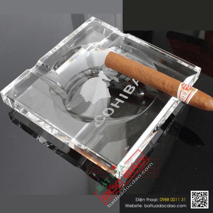 Chuyên bán gạt tàn xì gà Cohiba chính hãng (gạt tàn pha lê) 1464059182-gat-tan-xi-ga-cohiba-gat-tan-cigar-cohiba-phu-kien-xi-ga-cigar-cohiba-4-dieu-1