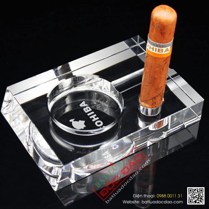 Gạt tàn cigar Cohiba pha lê GT005 (miễn phí giao hàng) 1464059754-gat-tan-xi-ga-cohiba-gat-tan-cigar-cohiba-phu-kien-xi-ga-cigar-cohiba-1-dieu-4