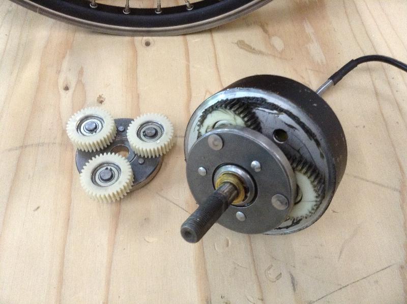 Acabo de destrozar el motor de la bicicleta... Photo-2-2