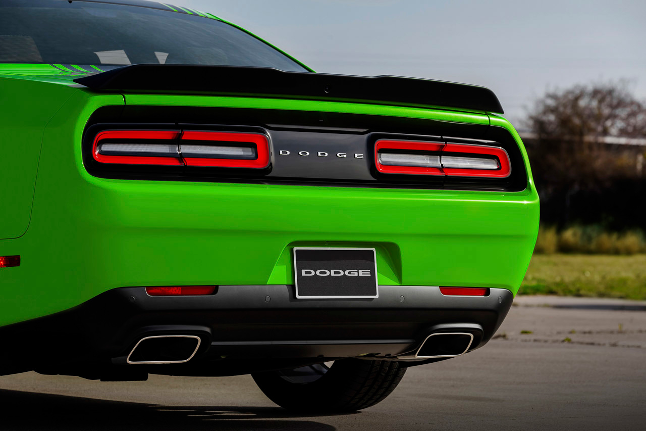 I love these cars... 2015 Dodge Charger and 2015 Dodge Challenger 2015-dodge-challenger-rt-6