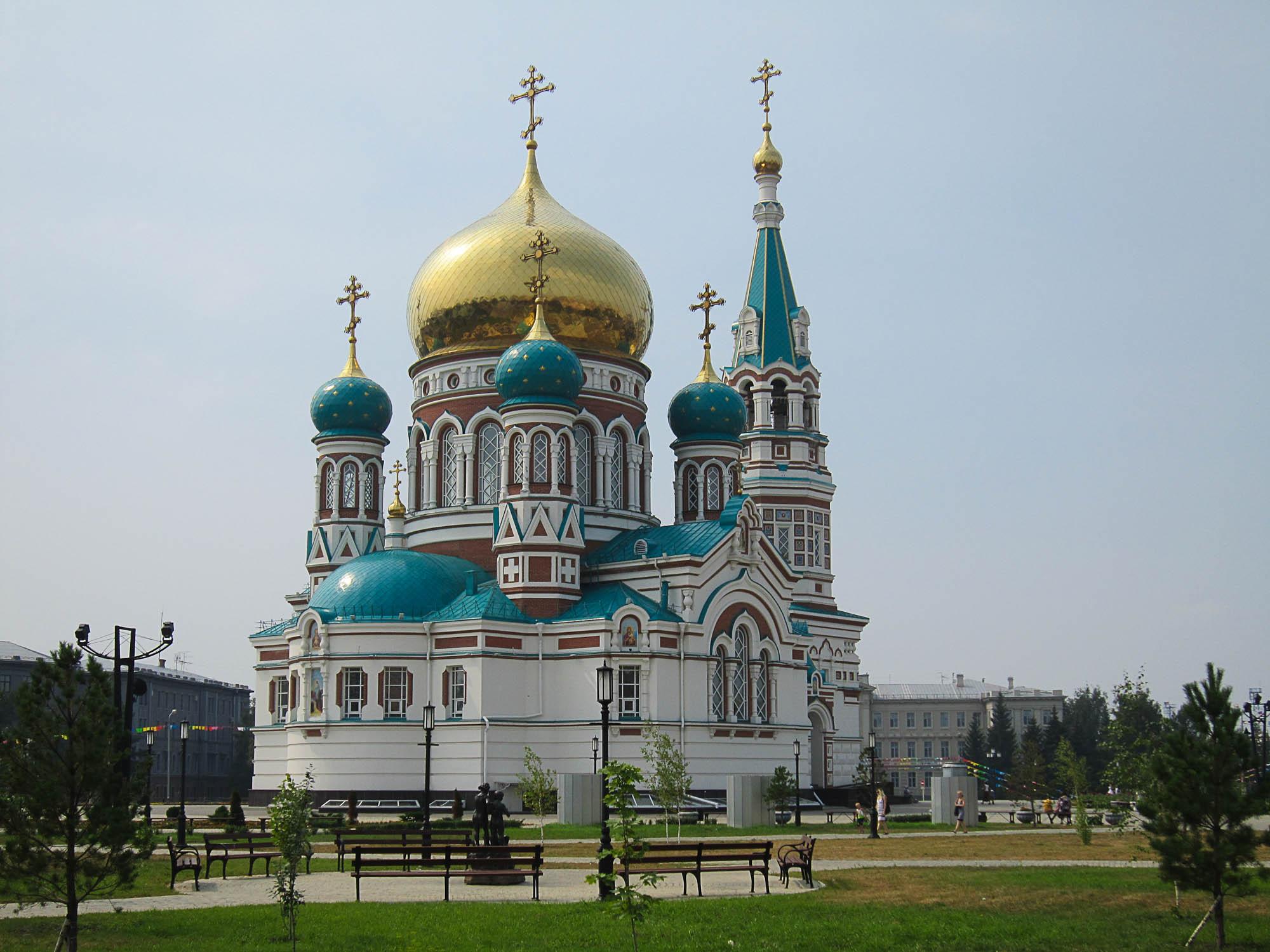 un bâtiment -  ajonc -  23 décembre trouvé  par Jovany The-Saint-Dormition-Cathedral-Omsk