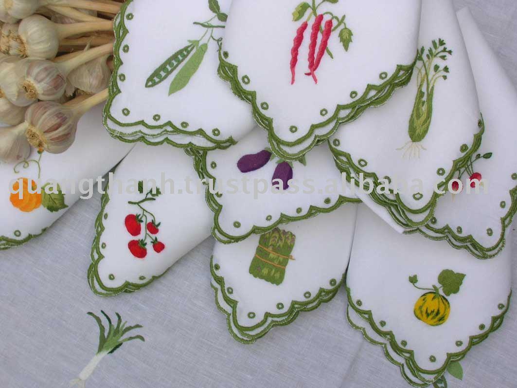 الطرز الجزائري على القماش روووووووووعة  Hand_embroidery_napkin