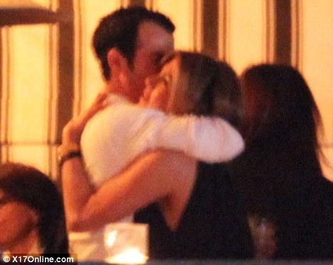 Jennifer Aniston - Страница 5 26119a9bd951