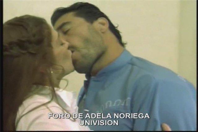 Адела Норьега /Adela Noriega - Страница 2 94c2bd2ba088