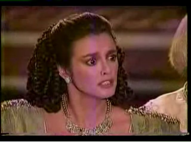 Странное возвращение Дианы Салазар/El Extrano Retorno de Diana Salazar 02b0e5e7cd06