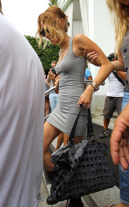 Miley Cyrus - Страница 2 4b36d27724eb