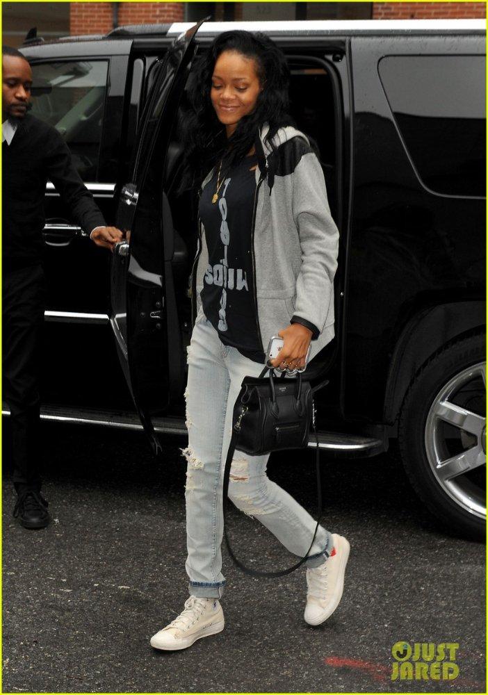 Rihanna  - Страница 6 C05452a2cc40