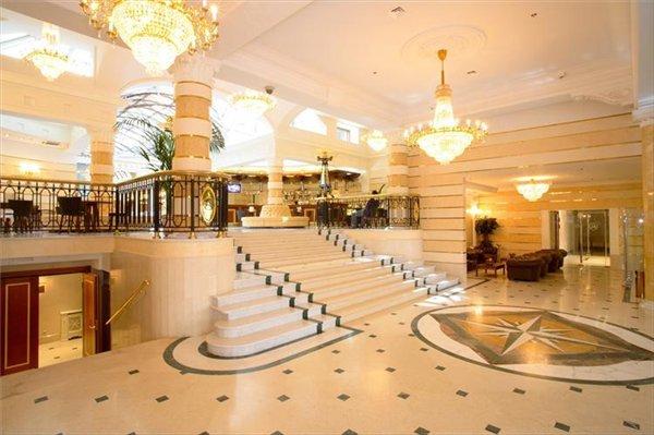 Холл отеля 5e9695d44b8e