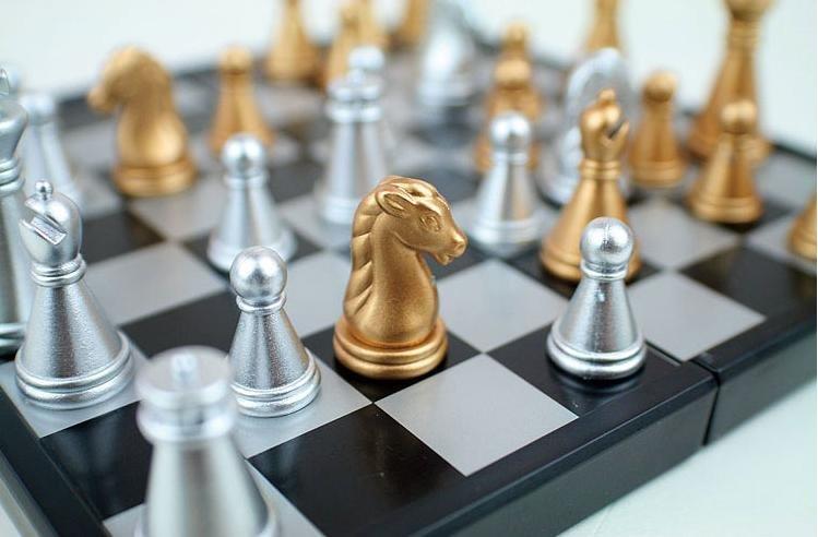 الحرة الشحن الدولية في الشطرنج A002 479972371_170