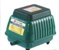 Petits conseils pour qui veut se faire une bettagère 140L-min-Resun-LP-100-Aquarium-quiet-High-Blow-diaphragm-air-Pump.summ