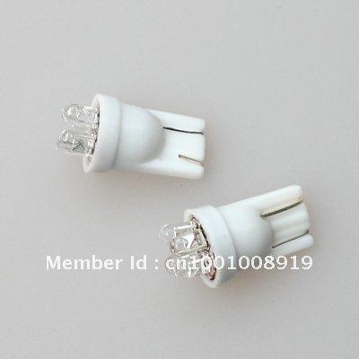Problème éclairage feux de position a led 30-pcs-lot-Car-White-4-LED-Bulbs-Wedge-Light-Lamp-T10-W5W-Free-Shipping