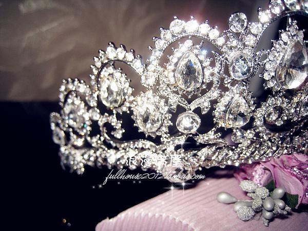 تيجان  فاخرة مرصعة بالماس 2015-Vintage-Peacock-Crystal-Tiara-Bridal-Hair-Accessories-For-Wedding-Quinceanera-Tiaras-And-Crowns-Pageant-Rhinestone