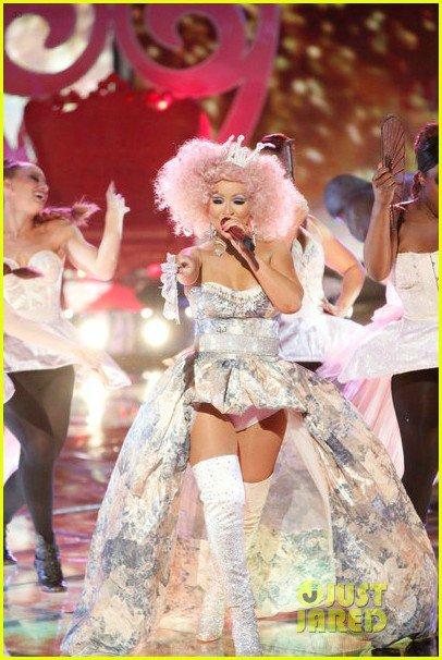 Christina Aguilera  - Страница 10 Aad224ce7884