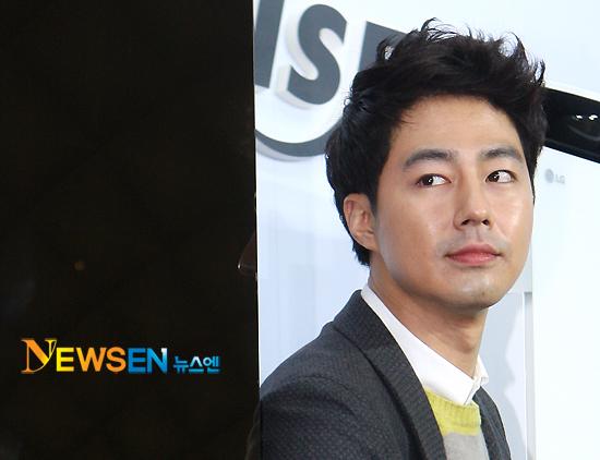 Чо Ин Сон / Jo In Sung / Jo In Seong / 조인성  - Страница 2 C85c3991ee01