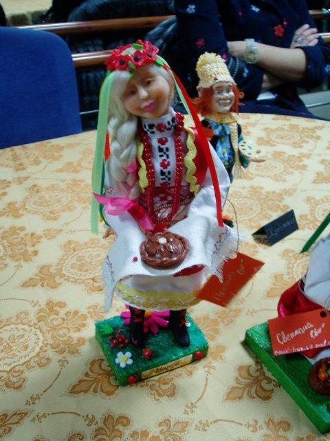 Выставка кукол в Запорожье D7fad7e02ed2