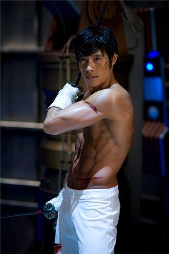 Lee Byung Hun / Ли Бен Хон не пьет одеколон  - Страница 2 Bc5a33eed9bf