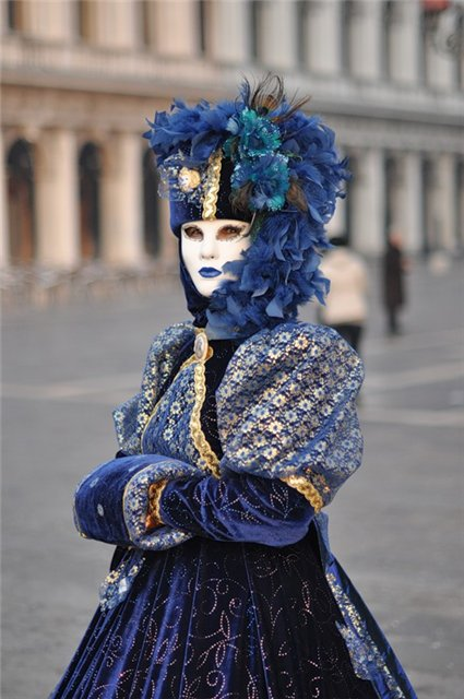 Венецианские маски 93018f7a302a