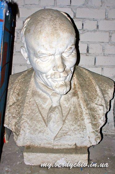 Скульптор Петр Криворуцкий 86c408654d38