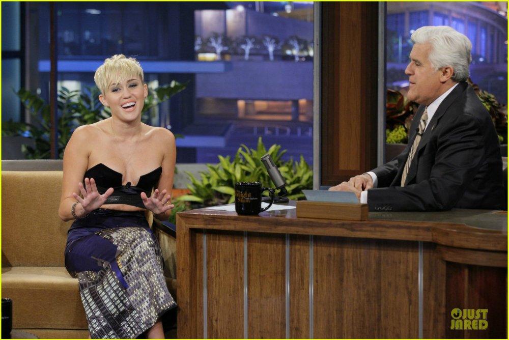 Miley Cyrus - Страница 4 8628a2e909c1