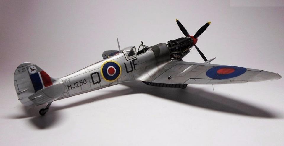 Supermarine Spitfire Eduard 1/48 Ff262dfd11e3