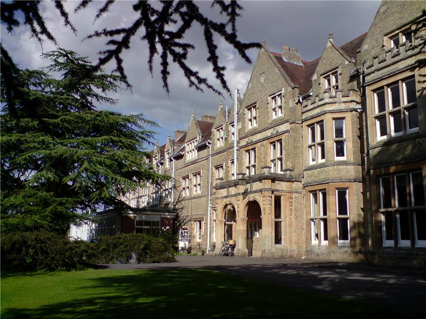 Самые красивые и известные высшие учебные заведения мира 35d96814ec4ft