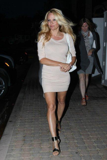 Pamela Anderson 3866c69e7eed