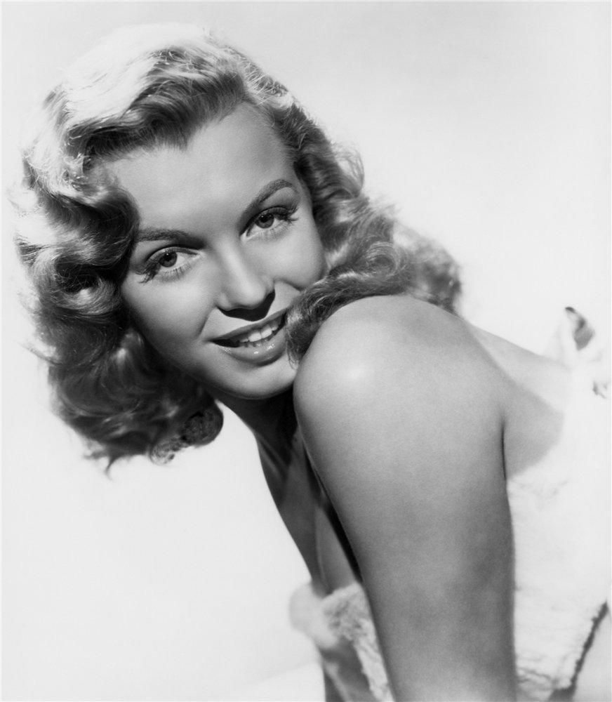 Мерилин Монро/Marilyn Monroe F136cf27d960