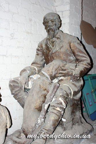 Скульптор Петр Криворуцкий 846a648d9d17