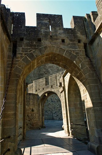 Каркассон (франц. Carcassonne) - город-крепость. 714ac25de05e