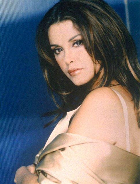 Лусия Мендес/Lucia Mendez  - Страница 3 E3355987a395