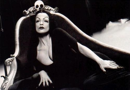Вампира (Vampira) 869a153d00e4