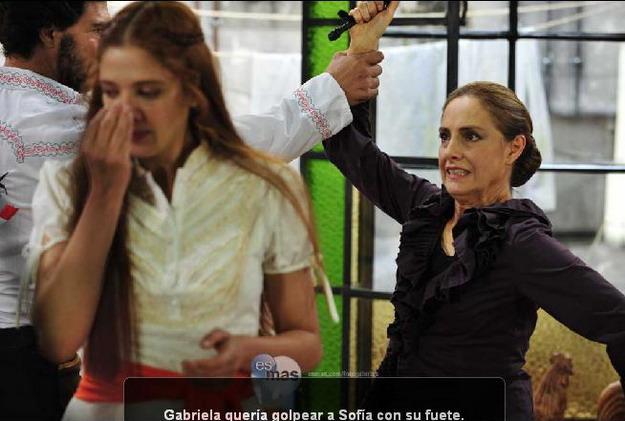 Адела Норьега /Adela Noriega - Страница 4 7c098a43dbe5