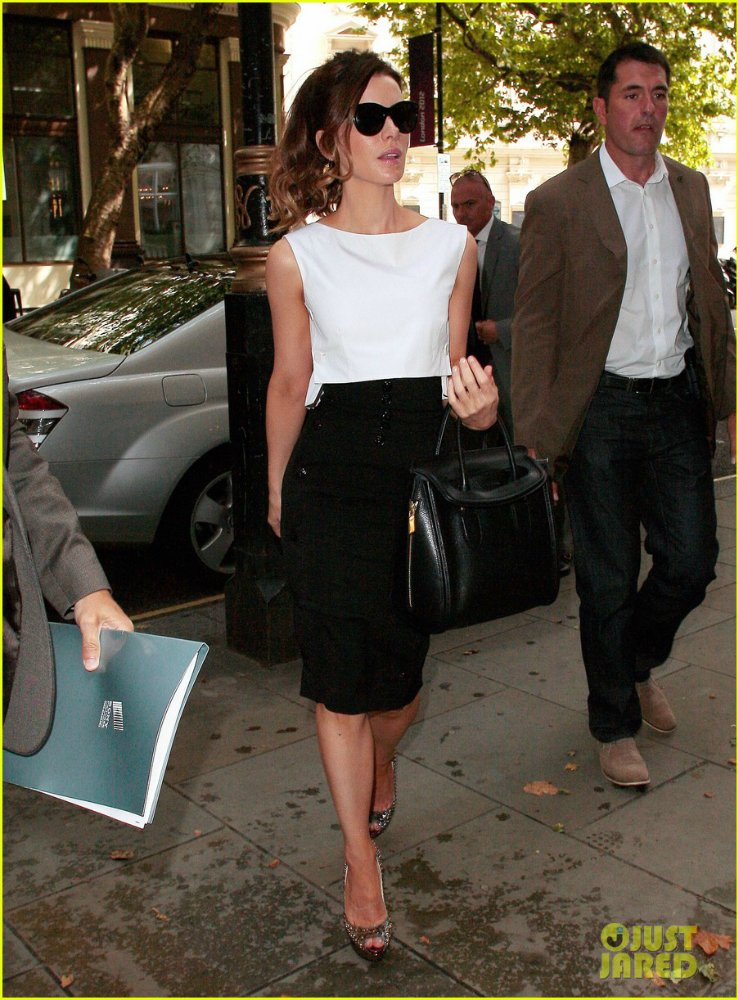 Kate Beckinsale - Страница 4 322361d2d1f7